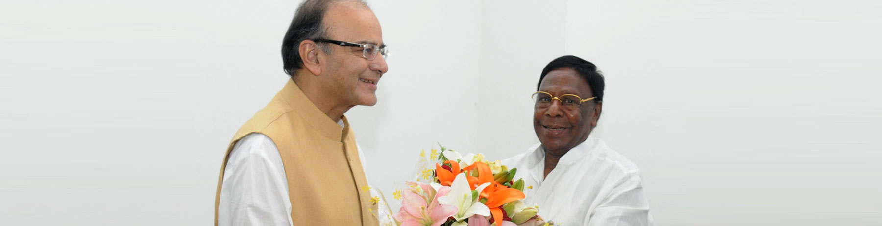 The Chief Minister of Puducherry, Shri V. Narayanasamy calling on the Union Minister for Finance, Shri Arun Jaitley, in New Delhi