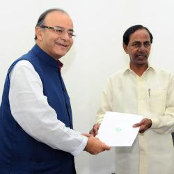 The Chief Minister of Telangana, Shri K. Chandrasekhar Rao calling on the Union Minister for Finance, Shri Arun Jaitley, in New Delhi